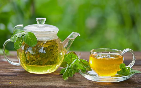 خواص اعجاب انگیز چای سبز بر سلامت بدن